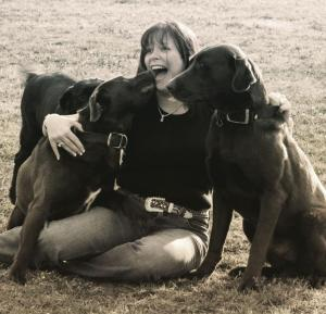 diana_iannarone_with-her-dogs2